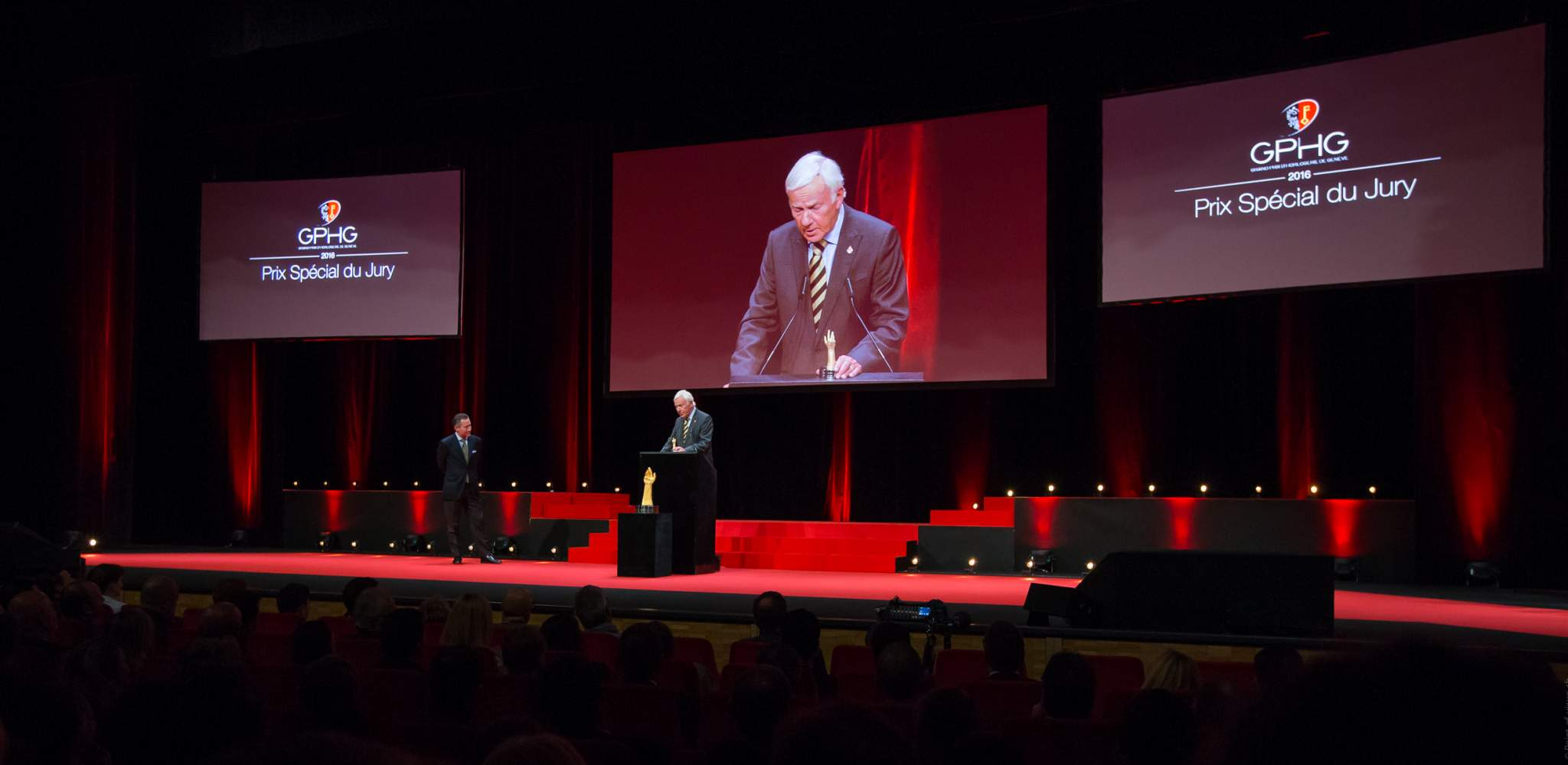 Aurel Bacs (Président du jury) and David Newman (President of The George Daniels Educational Trust, winner of the Special Jury Prize 2016)